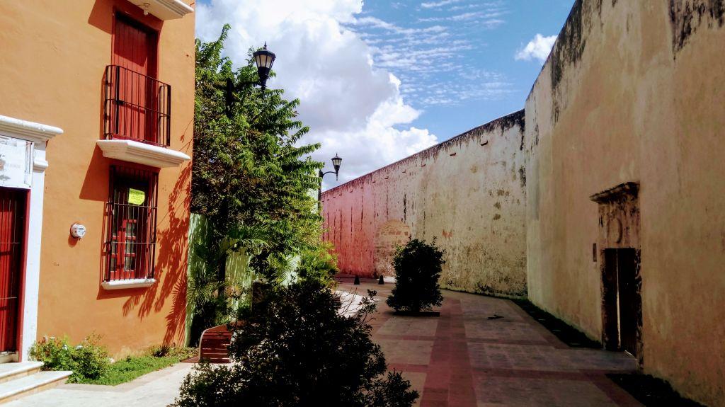 Les remparts de la vieille ville.