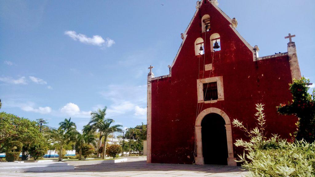 Église itzimna dans le quartier d'izima.